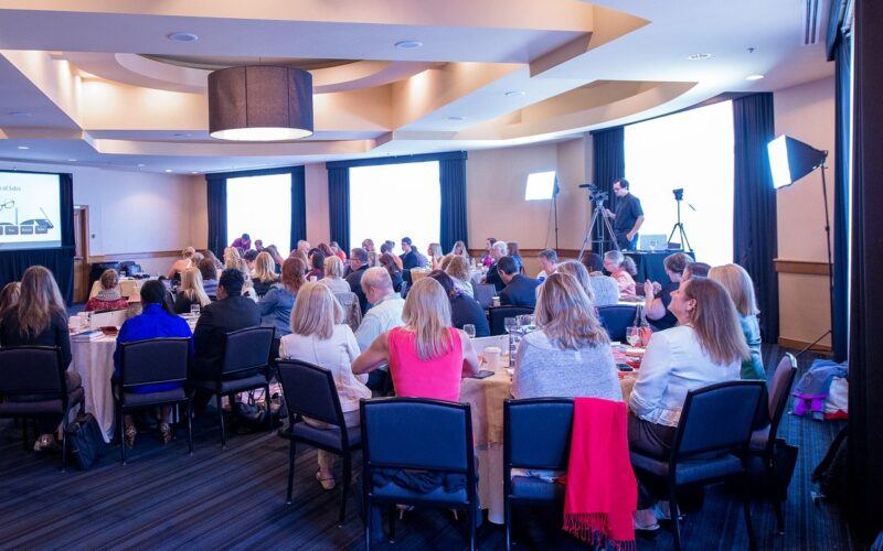 How to Successfully Organize a Business Conference